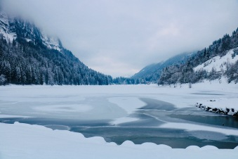 Lac de Montriond- lovely walk or for the brave - ice diving